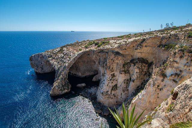 המערה הכחולה במלטה